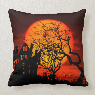 Halloween Dekokissen Throw Pillow