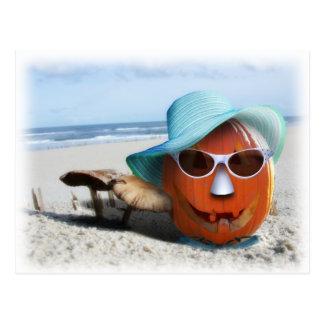 Halloween en la playa tarjeta postal