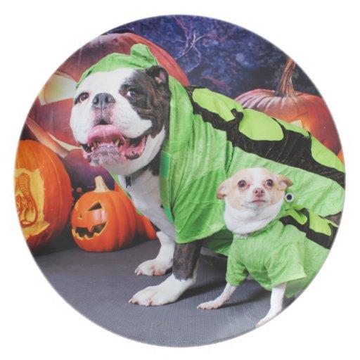 Halloween  English Bulldog Spike - Chihuahua Gizmo Party Plates