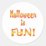Halloween es diversión pegatinas redondas