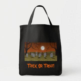 Halloween: Escena del cementerio: Bolso del truco  Bolsa Tela Para La Compra
