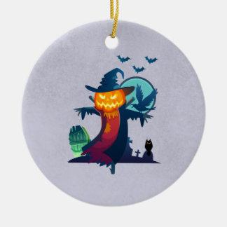 Halloween frecuentó el espantapájaros con palos y adorno navideño redondo de cerámica