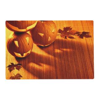 Halloween glowing pumpkins border placemat