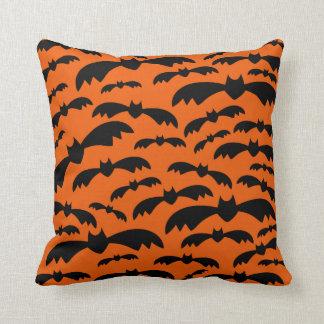 Halloween golpea la almohada de tiro