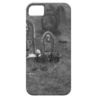 Halloween Grave Yard with Tombstones iPhone 5/5S Covers