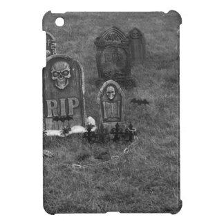 Halloween Grave Yard with Tombstones iPad Mini Case