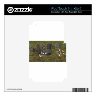 Halloween Grave Yard with Tombstones iPod Touch 4G Skins