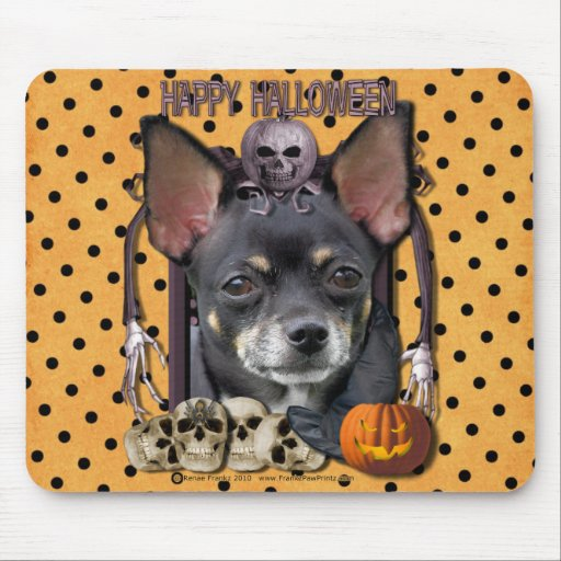 Halloween Nightmare - Chihuahua - Isabella Mouse Pad