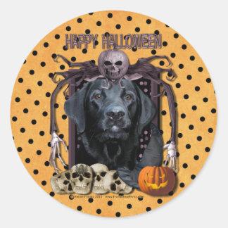 Halloween Nightmare - Labrador - Black - Gage Round Sticker
