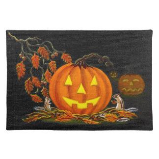 "Halloween place mat ""Autumn's Surprise"""