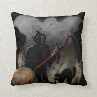 Halloween Polyester Throw Pillow/Spooky Scene Throw Pillow