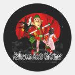 Halloween resuelve el navidad, duende que corre etiquetas redondas