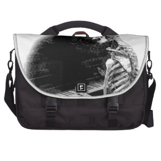 Halloween Skeleton Playing Spooky Piano! Bag For Laptop
