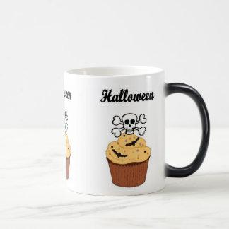 Halloween Skull and Bats Magic Mug