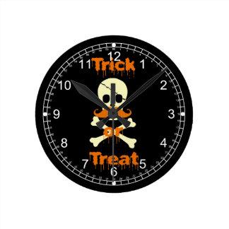 halloween skull round clock