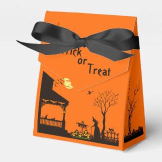 "Halloween tent favor box ""Heading Home"""