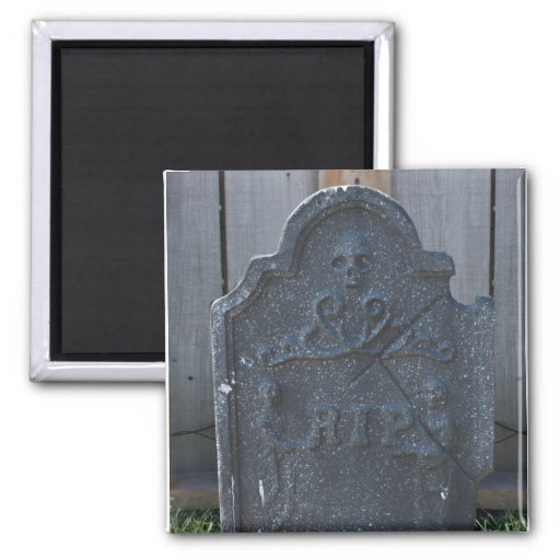 Halloween Tombstone RIP Skull Magnet