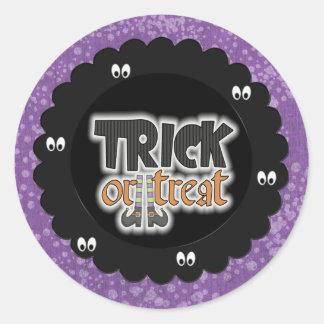 Halloween trick or treat classic round sticker