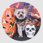 Halloween - Yorkie - Vinnie Classic Round Sticker