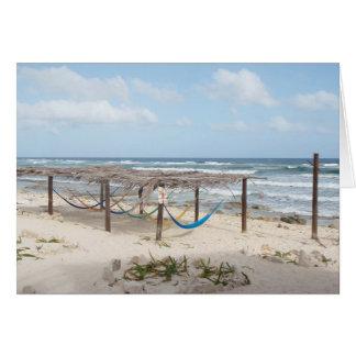 Hamacas en la playa tarjetón