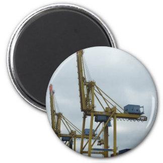 Hamburg port magnet