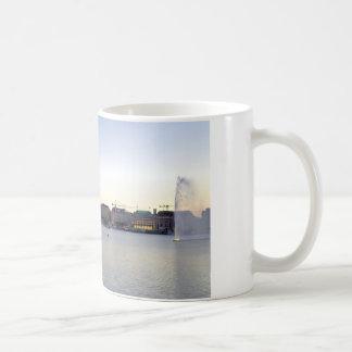 Hamburguesa Deutschland de Hafen del puerto de Taza De Café