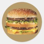 hamburguesa en moreno pegatina redonda