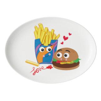 Hamburguesa y fritadas lindas en disco del amor badeja de porcelana