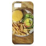Hamburguesa y patatas fritas iPhone 5 Case-Mate coberturas