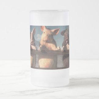 Hamming él para arriba taza de café