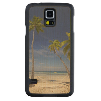 Hammock and palm trees, Plantation Island Resort Carved® Maple Galaxy S5 Case