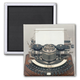 Hammond typewriter, with the ideal keyboard magnet