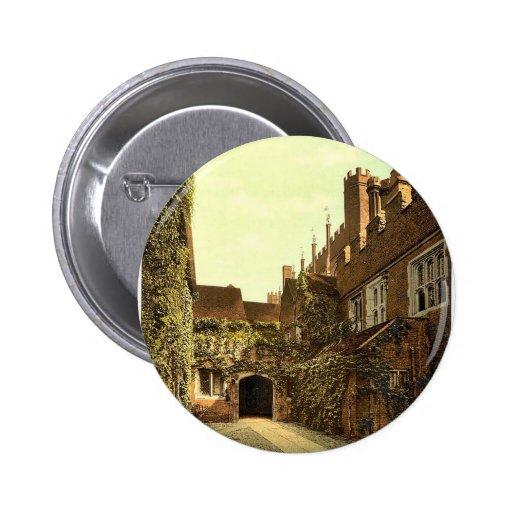 Hampton Court Palace Gateway, London and suburbs, Pins