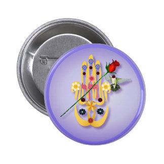 Hamsa y botones de las flores