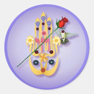 Hamsa y pegatinas de las flores etiqueta redonda