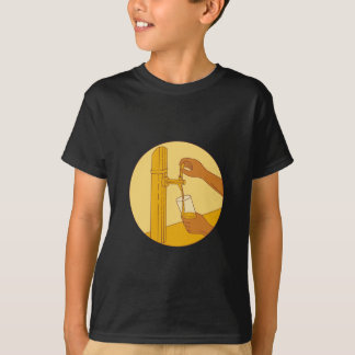 Hand Holding Glass Pouring Beer Tap Circle Drawing T-Shirt