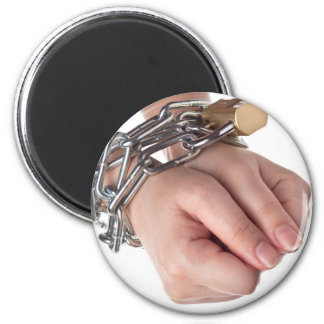 Hands in chain magnets