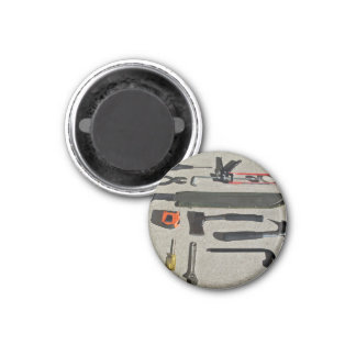 Handtools in display magnets