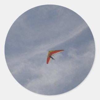 Hang glider classic round sticker
