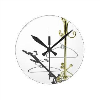 HangerOnCoatRack031415.png Reloj Redondo Mediano