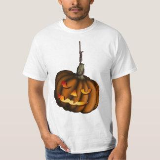 Hanging Pumpkin, light shirt