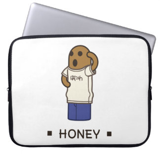 < haniwa which wears the T shirt > Haniwa wearing Computer Sleeve