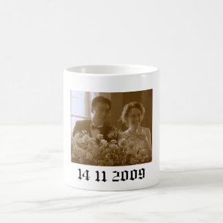 hannah wedding, 14 11 2009 coffee mug