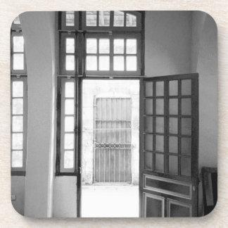 Hanoi prisión interior de Vietnam, Hanoi Hilton Posavasos
