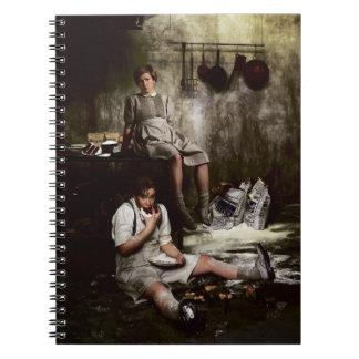 Hansel y Gretel con la torta de chocolate Spiral Notebook