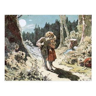 Hansel y Gretel en la trayectoria en el claro de Tarjetas Postales