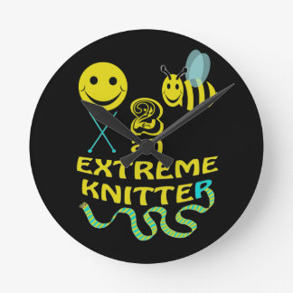 happy2bee an extreme knitter round clock