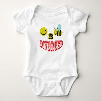 happy 2 bee divorced. tee shirt
