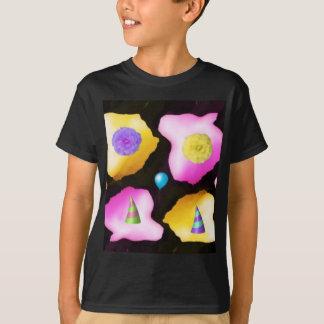 Happy birthday flowers design T-Shirt