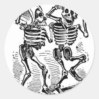 """""""Happy Calaveras"""" Mexico's Day of the Dead Classic Round Sticker"""
